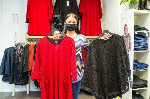 BLIR DET SOLGT? Det er spørsmålet Kjersti Eriksen hos Wilhelmines i Vikersund, og mange andre som driver klesbutikk stiller seg nå. Mangel på julebord og sosiale sammenkomster gjør at færre trenger ny bekledning.