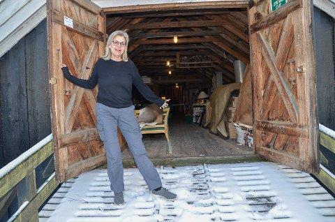 LÅVESALG: Til helgen åpnes låvedørene ved Sole Gjestegård på Noresund, og Maria Næsstrøm inviterer til stort låvesalg.
