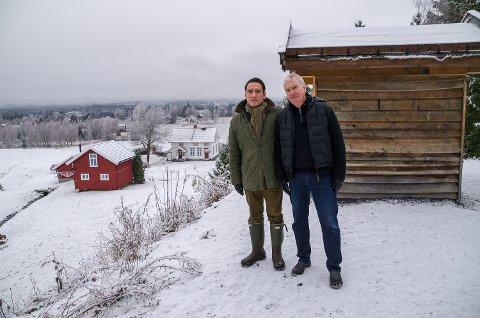 FAR OG SØNN: Andreas Johan Øhren og Johan Camilo Alstad-Øhren gleder seg til å kunne legge tomter ut for salg på grunnen til Søndre Øren gård på Heggen.