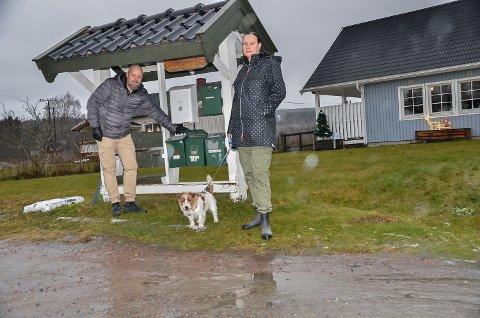POST- OG PAKKETYVERI: Odd Georg Hansen og Trine Undersaker ble i helgen begge frastjålet pakker fra postkassene sine i Åmot.