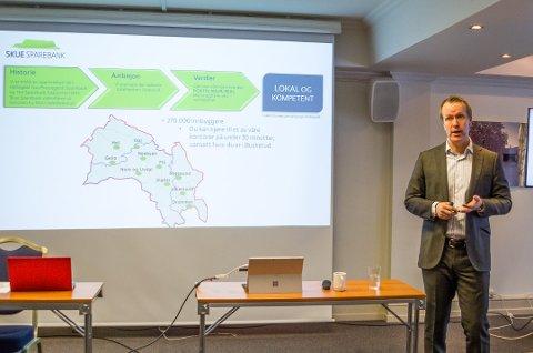 NÆRHET GIR RESULTATER: Banksjef Hans Kristian Glesne i Skue Sparebank leverte et kanonresultat i 2019.