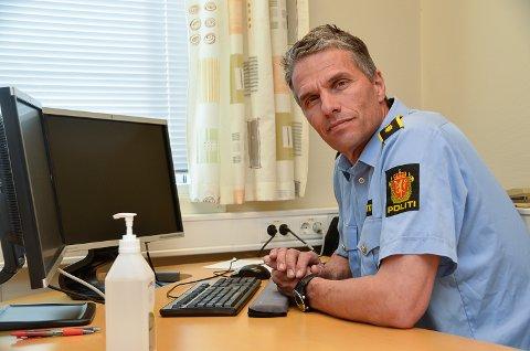 ØNSKER TIPS: – Så langt er ingen pågrepet etter garasjeinnbruddene, og vi ønsker gjerne tips om noen har sett noe mistenkelig i områdene hvor tyveriene har skjedd, sier Stig Væråmoen ved Modum Lensmannskontor.