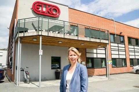 TØFT: Karoline Nystrøm, styreleder i Elko og administrerende direktør i Schneider Electric Norge, synes det var en tøff beskjed å gi de ansatte at driften i Åmot legges ned.