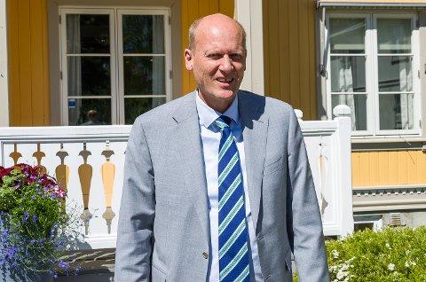 Anders B. Werp. Modum Bad. Direktør.