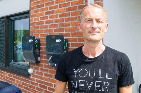 SINT: Prest Runar Liodden har tett kontakt med de Elko-ansatte, og er sint etter avgjørelsen om å legge ned den økonomisk svært veldrevne fabrikken i Åmot.