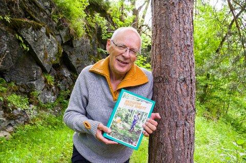 SKOGENS TØFFE IDRETT: Tittelen på boka om norsk orienteringssport var tilnærmet lik selvsagt for Hans L. Werp.