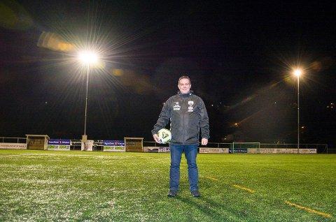 FRYKTER REKRUTTERINGEN: Tommy Jørgensen, leder i Vikersund Fotball, frykter hva som vil skje med seniorfotballen etter at fotballforbundet har avlyst alt seriespill i 2020.