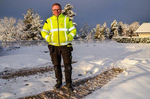 NYTT HUS TIL JUL: Rune Sønju gleder seg stort til at familien skal kunne flytte i nytt hus før jul, etter at huset deres i Bergkrystallen brant ned til grunnen i fjor sommer.