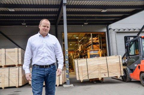 TRU PÅ FRAMTIDA: Jørn-Inge Throndsen, daglig leder hos Klinger Westad, har tru på framtida, selv om også 2021 vil bli et vanskelig år for Geithus-bedriften.