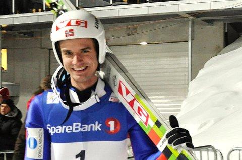 FØRST: Vegard Swensen fra Asker og Lillehammerhopp er førstemann som setter utfor i verdens største hoppbakke i Vikersund i dag.