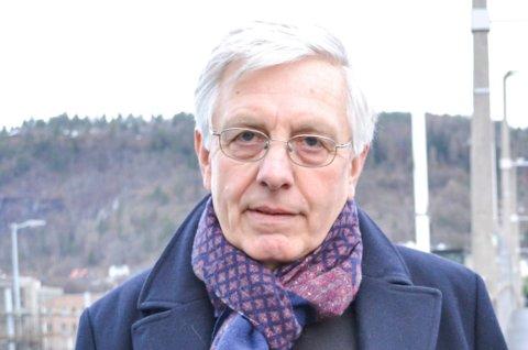 DELER UT MILLIONER: Noe av det hyggeligste Dag Østern gjør er når han som styreleder i Einar Juels Legat deler ut millioner av kroner.