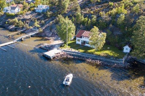 SOLGT OVER PRISANTYDNING: Fritidseiendommen på Holmsbu ble solgt for 18 millioner kroner.
