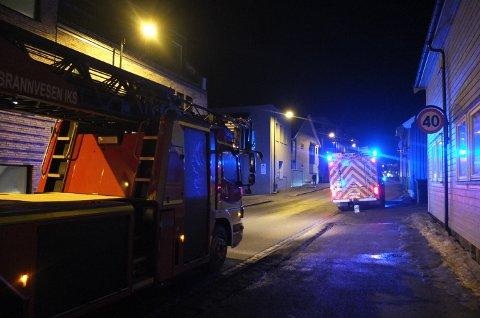 UTRYKNING: Tirsdag kveld rykket brannvesenet ut til melding om mulig pipebrann i Engene.
