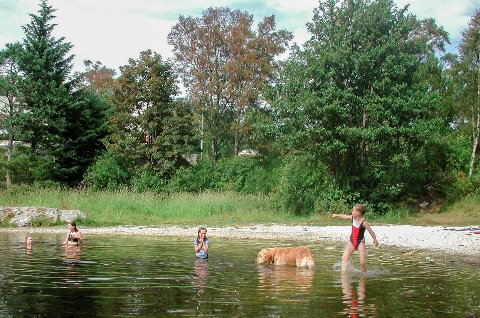 Vatnet i Storevatnet er for lengst blitt reint nok til at ein kan bade der.