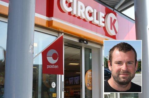PAKKEUTLEVERING: Frå midten av januar av har Circle K i Florø levert ut pakkar for Posten.