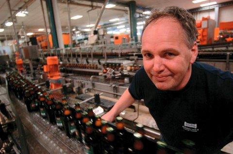 VANT PRIS: Hans Borg Bryggerier er kåret til «Årets mat- og drikkeprodusent 2015». Bryggeriet er her representert ved bryggerisjef Morten Brostrøm.