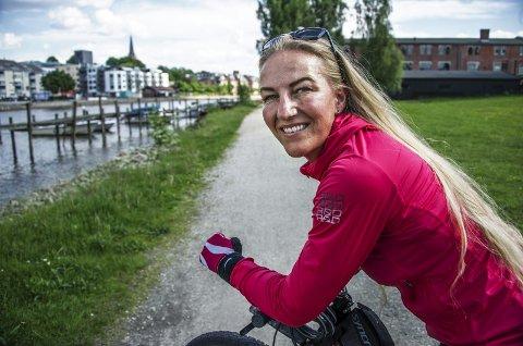 Opp av sofaen: Heidi Wauger er ofte å se på to hjul i nærområdet. Hun har byttet ut sofatilværelsen. foto: geir A. Carlsson