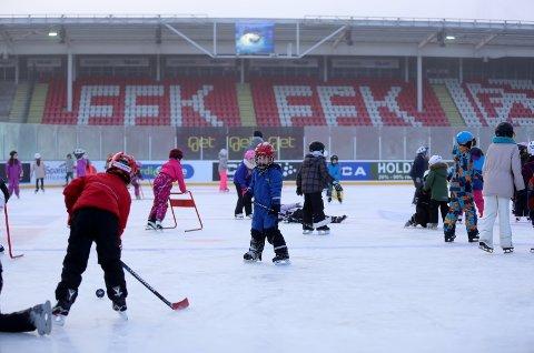 En rekke aktiviteter vil foregå på Fredrikstad Stadion denne uken. Og nedbøren ser ut til å holde seg unna.