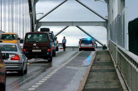 Ulykke på Fredrikstadbrua: Hver gang det inntreffer er det et sikkert bevis på hvor sårbar Fredrikstad-trafikken er med bare en forbindelse over Glomma.