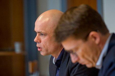Forfalsket rapport: Redelighetsutvalget har konkludert med at en forsker trolig har fabrikert tall med overlegg i et prosjekt. Mandag møtte prorektor Lars-Petter Jelsness-Jørgensen og informasjonssjef Tore Petter Engen pressen.