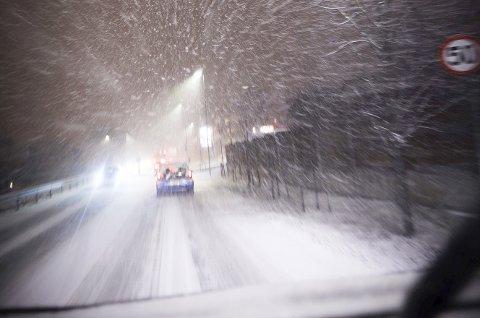 Mandag kveld lavet snøen ned. Været vil fortsette til ut på formiddagen tirsdag.