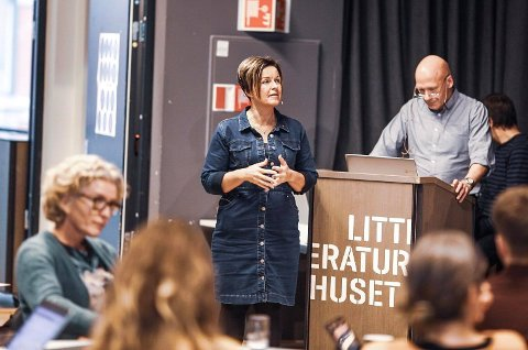 TALLENES TALE: Rådmann Nina Tangnæs Grønvold og økonomisjef Egil Olsen understrekte at Fredrikstad kommune har et vedvarende høyere behov for tjenester enn det er penger til.