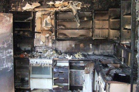 Voldsomt omfang: En kjøkkenbrann kan fort utvikle seg til noe riktig stort. Og 30 branner i Fredrikstad har de to siste årene startet på komfyren.