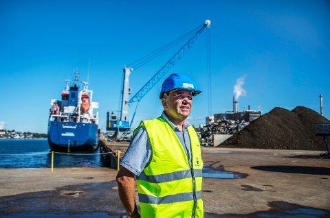FRA NESTE SOMMER? Går alt som Borg Havn håper og jobber for, kan skip som anløper containerhavna på Øra fra og med neste sommer knytte seg til landstrøm dersom de er bygget for det. Dermed slipper de å holde forurensende motorer i gang mens de ligger til kai.