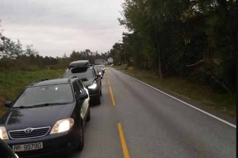 Det var lange køer i området kort tid etter ulykken.