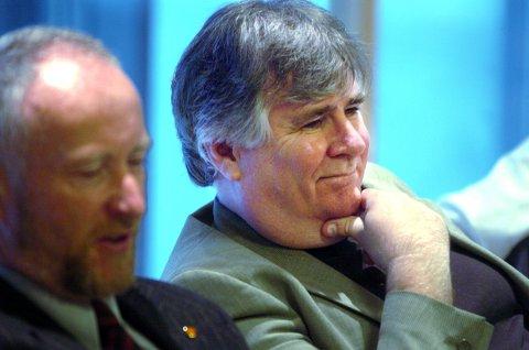 Arild Skau på ett av sine mange formannskapsmøter, i Ole Haabeths ordførertid.