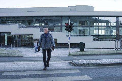 Vet at det hjelper: Narvik-mannen Svenn Willy Mikaelsen har vært på internasjonale oppdrag for Røde Kors fire ganger. – Jeg har selv erfart at hjelpen som folk bidrar med gjennom TV-aksjonen når frem, og at denne hjelpen er forskjellen på liv og død for tusener, forteller Mikaelsen.foto: jan erik teigen
