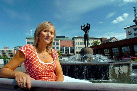 Arkivfoto fra intervju med Lise Haavik i Fremover. Bildet ble tatt i 2007, da hun ga ut platen «Come Rain Or Come Shine», og hun var hjemme i Narvik på en snarvisitt for å besøke foreldrene, mamma Lillian og pappa Einar.
