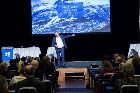 FORTSETTER: Rune Edvardsen, her avbildet under Nord i Sør-konferansen, sier at de fortsetter arbeidet med VM-søknaden som før. Arkivfoto: Andreas Haakonsen.