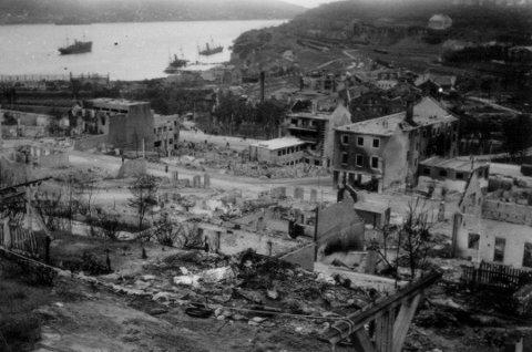 Bombet: Et svært ødelagt Narvik etter invasjon under 2.verdenskrig