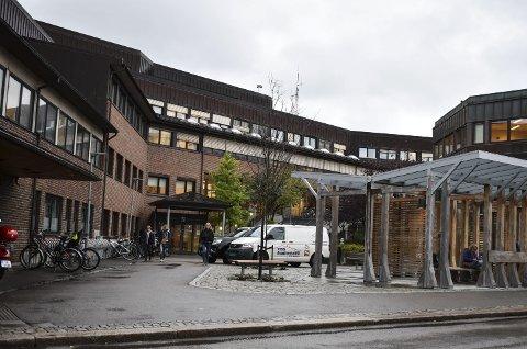 VANN: Rådhuset er ett av mange bygg med vannmåler. Det gjelder bare å holde orden på måleren.