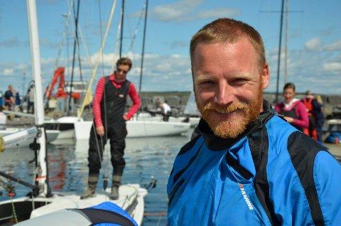PÅ LANGTUR: Karl Otto Book har i et år vært på seiltur. Dette bildet er tatt før han la ut på reisen.