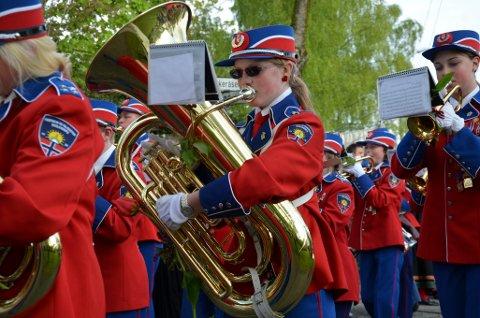 GLEDE: Det blir nok enda mer trøkk i instrumentene og gla'tonene rettet mot kommunen når Fagerheim og Falkensten skolekorps (bildet) og de seks andre korpsene i Horten får tredoblet 17.mai-støtte i år.