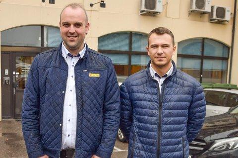 PÅ FLYTTEFOT: Daglig leder Stian Sundsvalen og markedsansvarlig Nicolay Næsgård i Horten Taxi ser fram til å komme på plass i nye lokaler til sommeren.