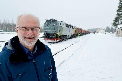 STØTTE: Arnfinn Nergård fikk også støtte fra opposisjonen da han ble valgt til ny fylkesordfører ved 13-tiden mandag.