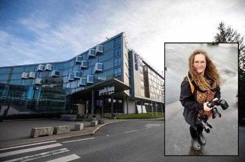 PARKERINGSFORVIRRING: Lisbeth Lund Andresen hadde et oppdrag på dette hotellet tidligere i høst. Noen uker seinere kom regningen i posten.