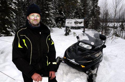 MER PÅ GANG: Snøskuterleden i Åsnes skal utvides, og leder i snøskutergruppa i Åsnes Finnskog idrettslag, Arild Bredesen, har en drøm om interkommunale muligheter på norsk side.