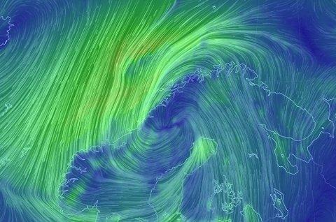 FAREVARSEL: Mandag slår et kraftig stormsenter innover Norge. Meteorologisk institutt har sendt ut farevarsel for Østlandet og Telemark. Foto: Meteorologisk institutt
