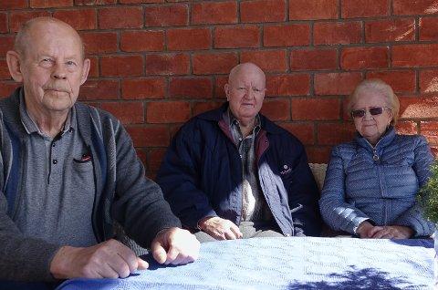 KLAR TALE: Det er klar tale fra disse tre beboerne ved Sønsterud bofellesskap, fra venstre Oddvar Beck, Einar Nyland og RAndi Krogsæter.