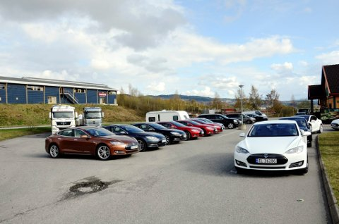 Elbilvenner fra hele landet - klare for råning i Lillehammer.