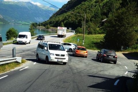 Krysset mellom riksveg 15 og fylkesveg 51 i Randen.