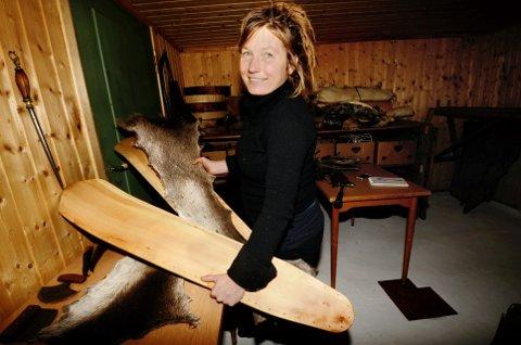 Sofie Kleppe Turunen i Jutulskinn gjer seg nytte av lokal råvare.
