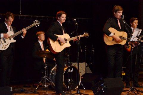 SPILLER VEGROCK: Johnny Cash tributebandet Get Rhythm fra Gausdal, opptrer på Norsk vegmuseum lørdag.