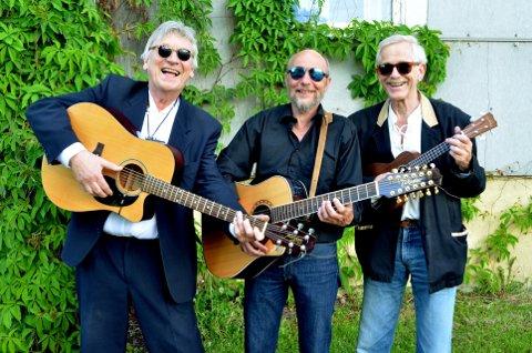 BACK AGAIN: Ole Gunnar Nagelsett, Erlend Rasmussen og Dag Leonardsen utgjør The Proones. Lørdag kveld har trioen konsert i kafeen i Søndre Park.