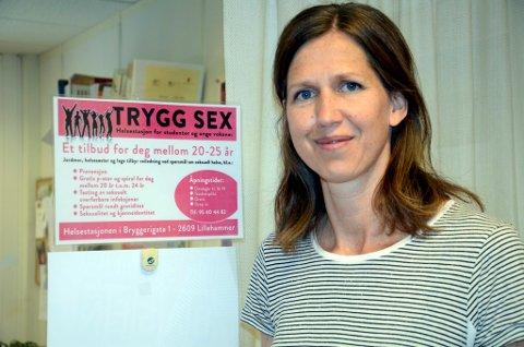 """Helsesøster Åshild Stangeland i Lillehammer kommune leder pilotprosjektet """"Trygg sex""""."""