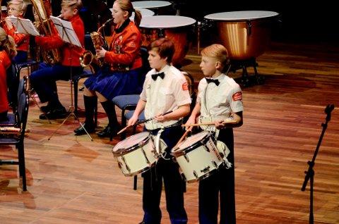 Trom trommelom: To av dem som er med å bygge framtida i Søre ål skolemusikk. Begge foto: Per Ivar Henriksbø